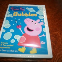 Peppa Pig Christmas & Peppa Pig Bubbles #2014HolidayGiftGuide Review & Giveaway Ends 12/23