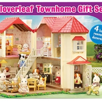 Toddler Favorites for The Holidays: Calico Critters Luxury Townhouse Giveaway Ends 12/13 #CalicoCritters #2015HolidayGiftGuide #ToddlerFavorites